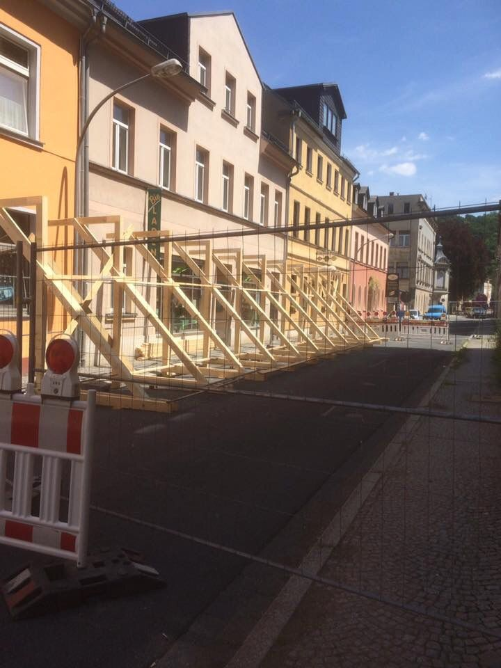 OTZ: Anblick verfallender Häuser stimmt Greizer Neustadtverein traurig